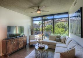 100 W Portland St., #306, Phoenix, Arizona 85003, 1 Bedroom Bedrooms, ,1 BathroomBathrooms,Condo,Furnished,W Portland,1231
