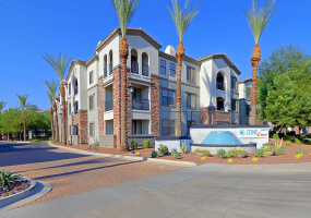 9450 Cabela Dr, Glendale, Arizona, United States 85305, 1 Bedroom Bedrooms, ,1 BathroomBathrooms,Apartment,Furnished,ZONE LUXE,Cabela Dr,1,1538